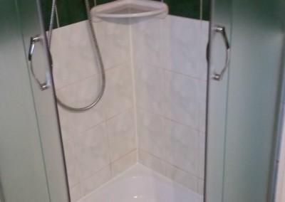 Mátyás zuhanyzó